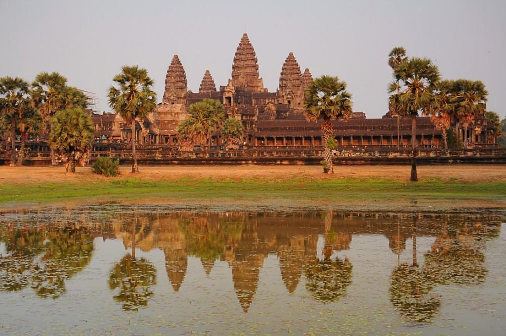 Zdjęcia: Angkor, Siem Reap, Angkor Wat o zachodzie słońca, KAMBODżA