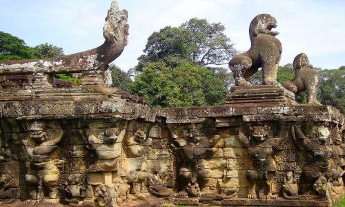 Zdjęcie KAMBODżA / okolice Siem Reap / zespół Angkor Wat / na Elephant Terrace
