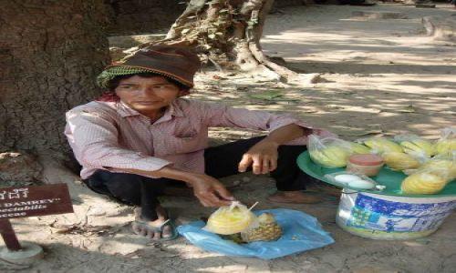 Zdjecie KAMBODżA / brak / Siem Reap, Angkor Wat / Ananasy
