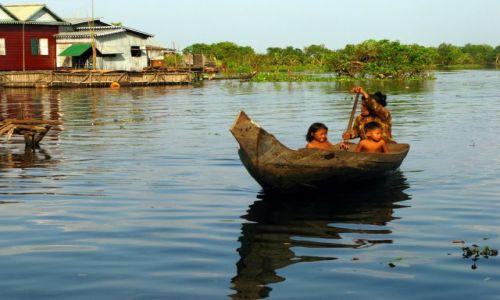 Zdjecie KAMBODżA / okolice Siem Reap / pływająca wieś Phnom Kulen / Miejscowa taksó