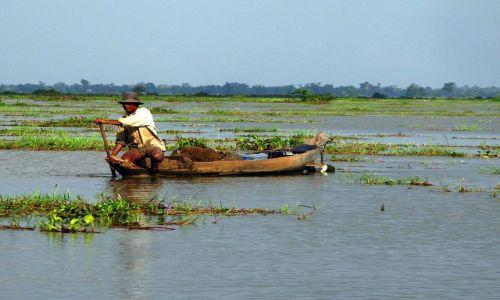 KAMBODżA / Phnom Kulen / Kompon Phlug / Będzie ryba na obiad...;/