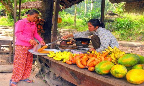 Zdjecie KAMBODżA / Phnom Kulen / Phnom Kulen / Banany w cieście, posypane sezamem - pychota ;)