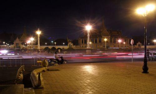 Zdjecie KAMBODżA / Phnom Penh / miejska promenada / konkurs - kambo