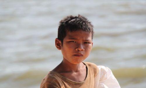 Zdjęcie KAMBODżA / Sihanaukville / Otres Beach / Chłopiec