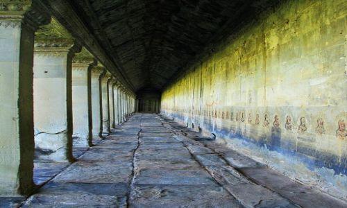 Zdjecie KAMBODżA / Angkor Wat / kompleks świątynny / Świątynne korytarze