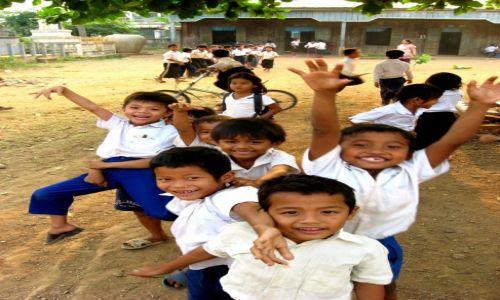 Zdjecie KAMBODżA / Cambodia / Battambang / School kids
