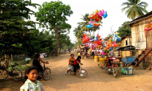 Zdjęcie KAMBODżA / Battambang / village / Battambang streets