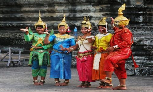 Zdjecie KAMBODżA / Siem Reap / Angkor Wat / Ludzie Angkor Wat