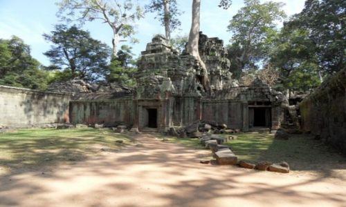 Zdjecie KAMBODżA / Siem Reap / Angkor Wat / ruiny...
