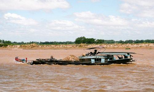 Zdjęcie KAMBODżA / - / Mekong / Piękna łódka