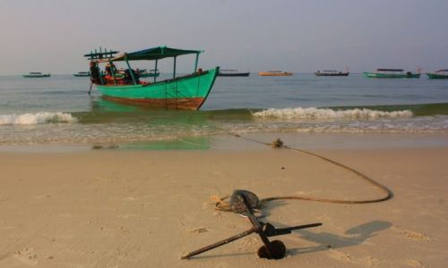 Zdjecie KAMBODżA / Zatoka Tajlandzka / Sihanoukville / Zakotwiczona...