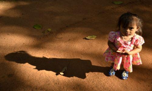 Zdjęcie KAMBODżA / Równina Kambodżańska / Siem Reap / Kambodżanka- Konkurs