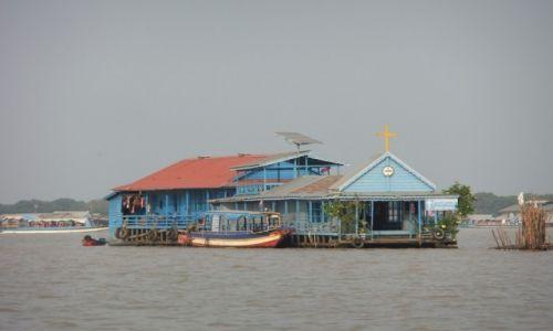 Zdjecie KAMBODżA / Tonle Sap / Chong Khnies / Pływający kościół
