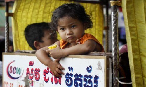 Zdjecie KAMBODżA / - / Phnom Penh / Dziecko w Phnom Penh