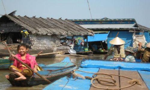 KAMBODżA / Tonle Sap / Tonle Sap / Życie na wodzie