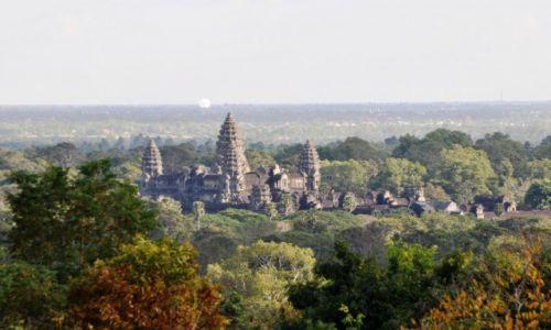 Zdjecie KAMBODżA / północno--zachodnia Kambodża / prowincja Siem Reap / Widok na Angkor Wat