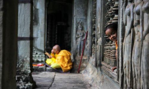 Zdjecie KAMBODżA / Angkor / Angkor Wat / W zakamarkach A
