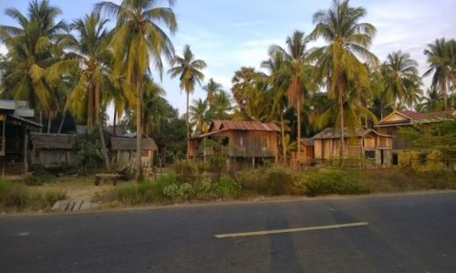 KAMBODżA / północna Kambodża / północna Kambodża / Widok ze sklepu