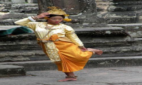Zdjęcie KAMBODżA / Siem Reap / Angkor Wat / To jeszcze nie taniec