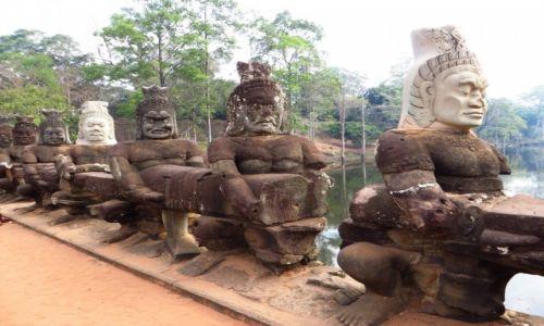 Zdjęcie KAMBODżA / Angkor / Angkor Thom / brama południowa