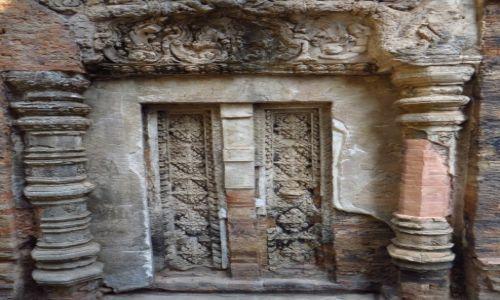 Zdjęcie KAMBODżA / Angkor / okolice Siem Reap / Świątynia Prah Ko