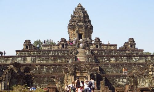 Zdjęcie KAMBODżA / Angkor / okolice Siem Reap / Świątynia Bakong