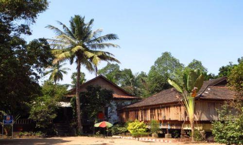 Zdjęcie KAMBODżA / Angkor / obok świątyni Lolei / buddyjski ośrodek medytacyjny