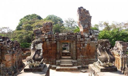 Zdjęcie KAMBODżA / Angkor / okolice Siem Reap / Świątynia Mebon Wschodni