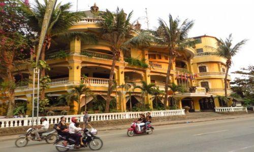 Zdjęcie KAMBODżA / Angkor /  Siem Reap / ulice Siem Reap