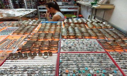 Zdjęcie KAMBODżA / Angkor / Siem Reap / na bazarze
