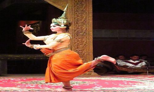 Zdjęcie KAMBODżA / Angkor / Siem Reap / występ folklorystyczny