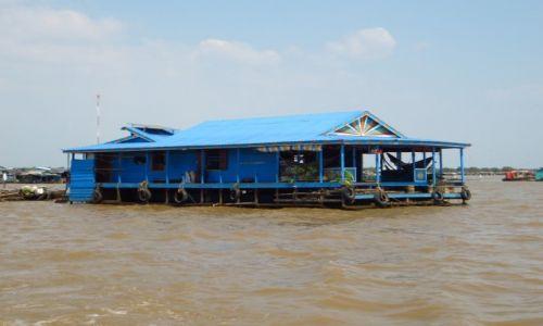 Zdjęcie KAMBODżA / Angkor / jezioro Tonle Sap / wioska na wodzie
