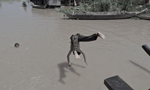 Zdjecie KAMBODżA / kambodza / kambodza / kąpiel w mekongu