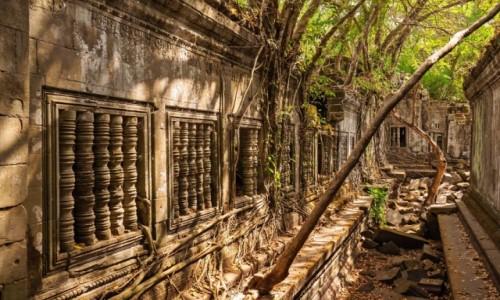 Zdjęcie KAMBODżA / Siem Reap / Bang Mealea / Bang Mealea Temple