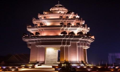 Zdjęcie KAMBODżA / Phnom Penh / Phnom Penh / Independence Monument