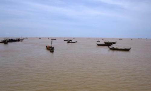 KAMBODżA / Jezioro Tonle Sap / Kampong Phluk / Rybołóstwo to sposób (konieczność) na życie
