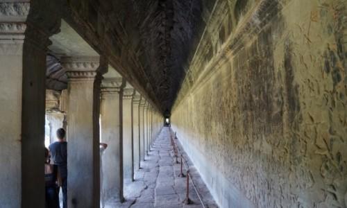Zdjecie KAMBODżA / Angkor Wat / Angkor Wat / Dłuuugi krużgan