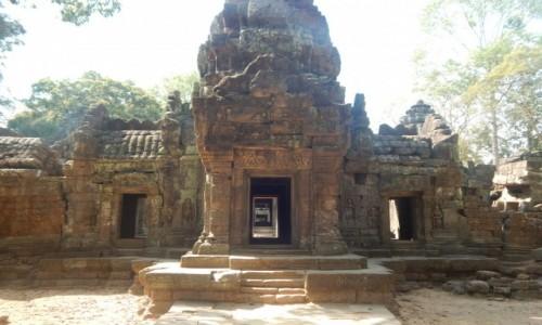 Zdjecie KAMBOD�A / Sieam Reap / Angkor / Ruiny Angkor 2