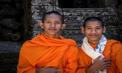 Zdjecie KAMBODżA / Siem reap / Angkor wat / Z religią mi do twarzy