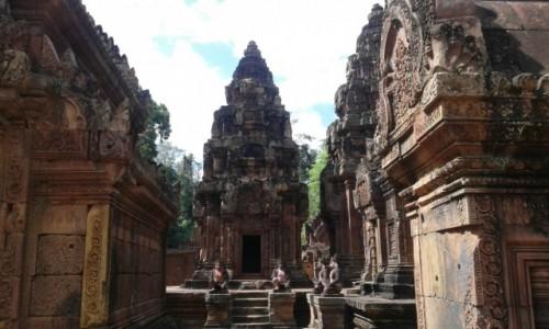 Zdjecie KAMBODżA / - / Siem Reap / Banteay Srei. Świątynia zwana Twierdzą Kobiet