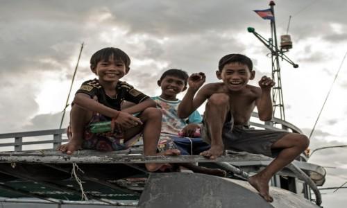 Zdjęcie KAMBODżA / Prowincja Koh Kong / Koh Kong / (Nie)Grzeczne chłopaki