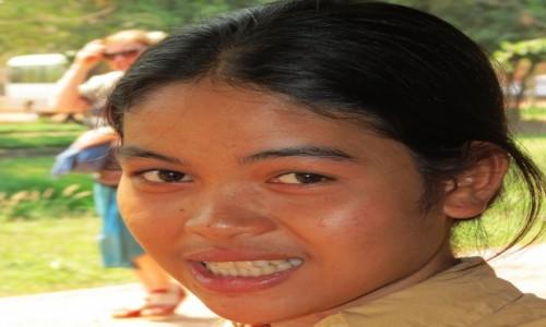 Zdjecie KAMBODżA / Azja / Kambodża / Kambo czarująca twarz