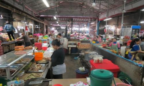 Zdjęcie KAMBODżA /  Azja  / Siem Rep / Kambo jadłodajnia na bazarze