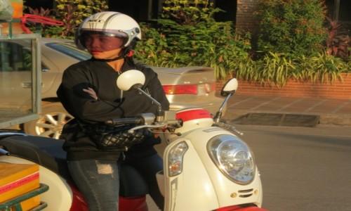 Zdjecie KAMBODżA / Azja / Siem Rep / Kambo skuterowe taxi