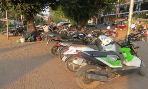 Zdjecie KAMBODżA / Azja / Siem Rep / Kambo skutery skutery