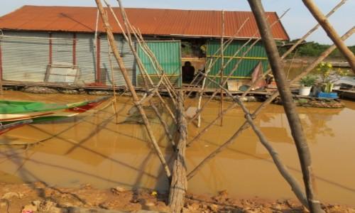 Zdjecie KAMBODżA / Azja / Siem Rep / Kambo wejście do domu