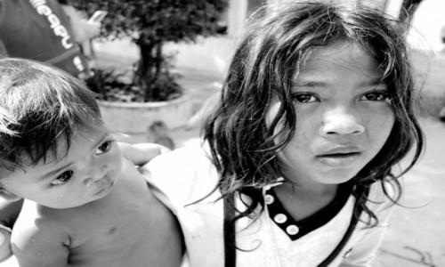 KAMBODżA / Phnom Penh / Phnom Penh / Dzieci