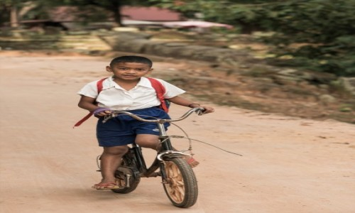 Zdjecie KAMBODżA / Prowincja Siem Reap / Roulos / Do przodu ;-)