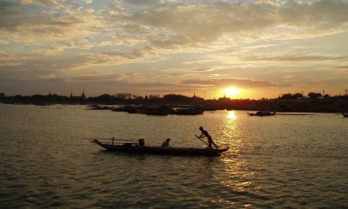 Zdjecie KAMBODżA / Phnom Penh / Phnom Penh / na Mekongu