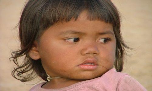 Zdjecie KAMBOD�A / brak / p�noc Kambod�y / Dziewczynka